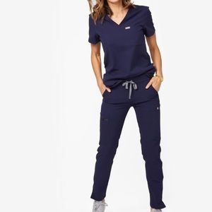 Figs Navy scrub set